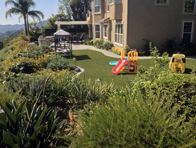 Artificial fake grass and lawns CA